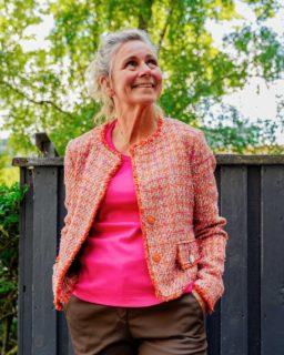 Mix & match! 🙌  Hos Asmus elsker vi at mixe de forskellige farver og styles fra butikken 👚  I dag har Karina sammensat dette fine sæt bestående af brune og rødlige nuancer: - Brax bukser - Før: 999,- Nu: 699,- - Penny Black jakke 50% - Før: 2499,- Nu: 1250,-  Hvad synes du om sættet? 🤩  #asmus #butikasmus #nyheder #nyhedeributikken #sommer #tilfestoghverdag #viglæderostilatsedig #visesibutikken #fashion #style #lyngby #beautiful #butik #fashionstyle #tøj #dametøj #mode #clothes #ladies #udsalg #mixogmatch
